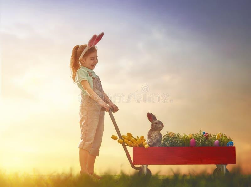 slitage för kaninöraflicka royaltyfri bild