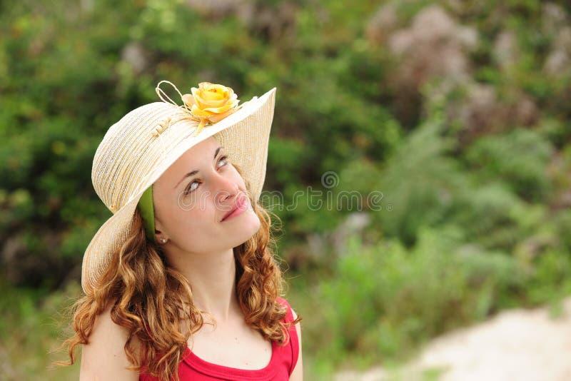 slitage kvinna för hattsugrör arkivfoto