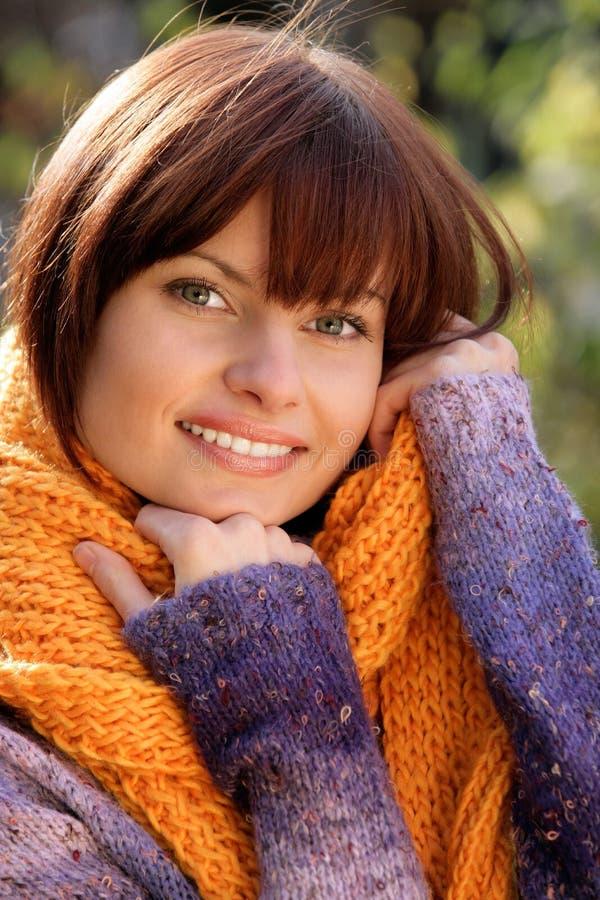 slitage kvinna för tröja royaltyfria bilder
