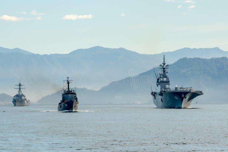 SLNS Samudura P621斯里兰卡船, JS DDH-182艾斯日语运送, USS Stockdale DDG-106美国船 免版税库存照片