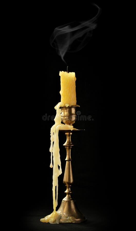 slocknat stearinljus royaltyfria bilder
