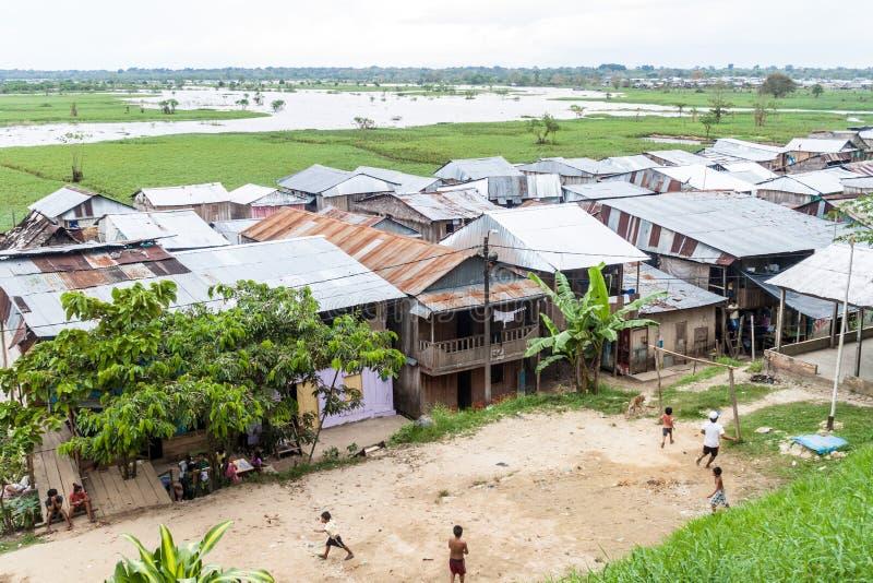 Sloppenwijk in Iquitos, Peru stock afbeelding