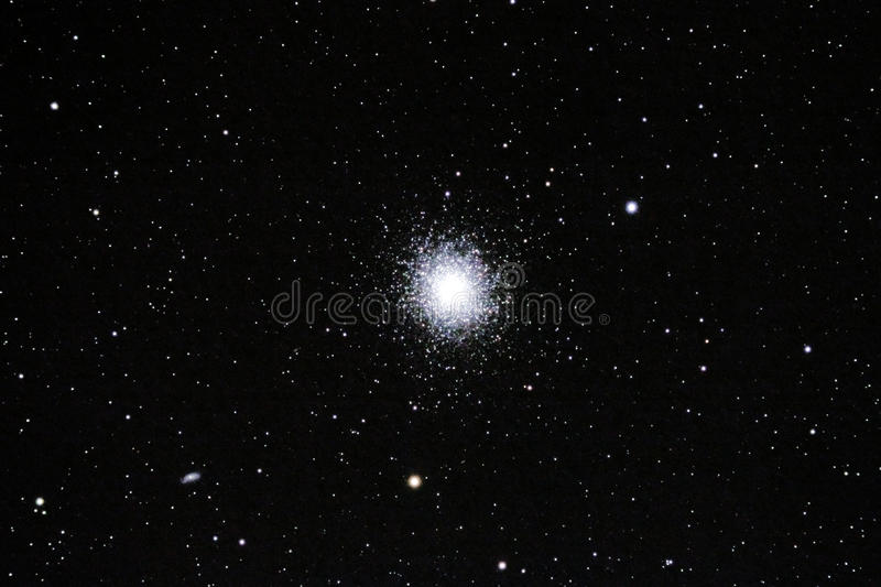 Slordigere 13 (M13) - de Bolvormige Cluster van Hercules royalty-vrije stock afbeeldingen