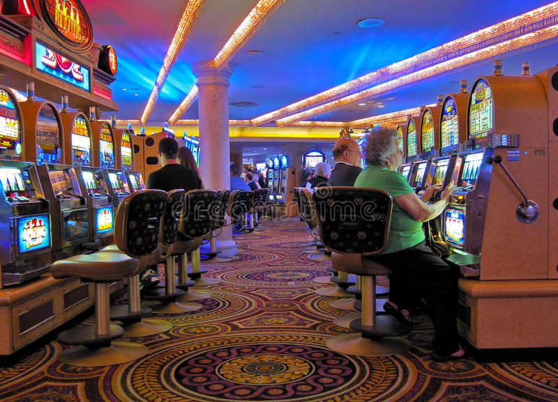 Slots machines do casino, Las Vegas imagens de stock royalty free