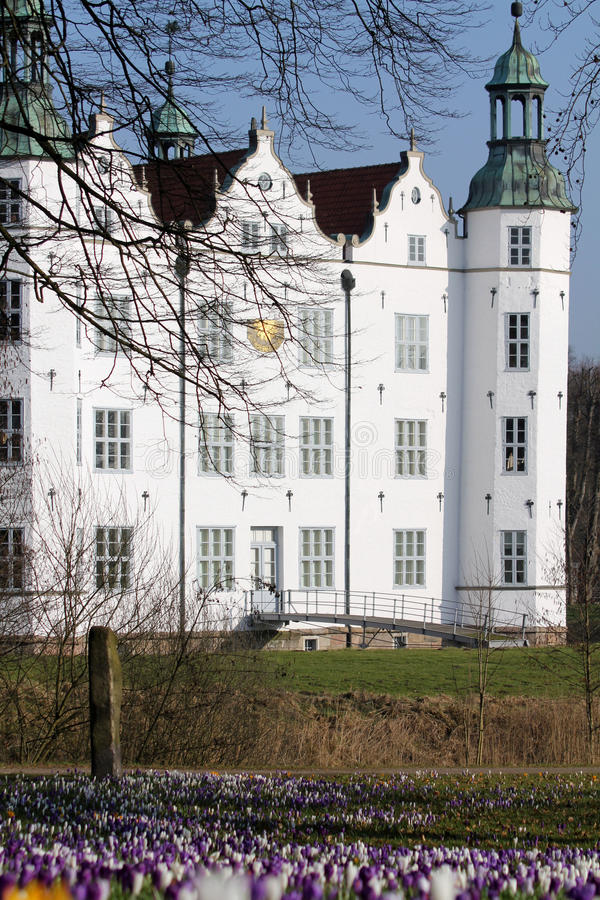 Slott av Ahrensburg, Tyskland, Schleswig-Holstein royaltyfri foto
