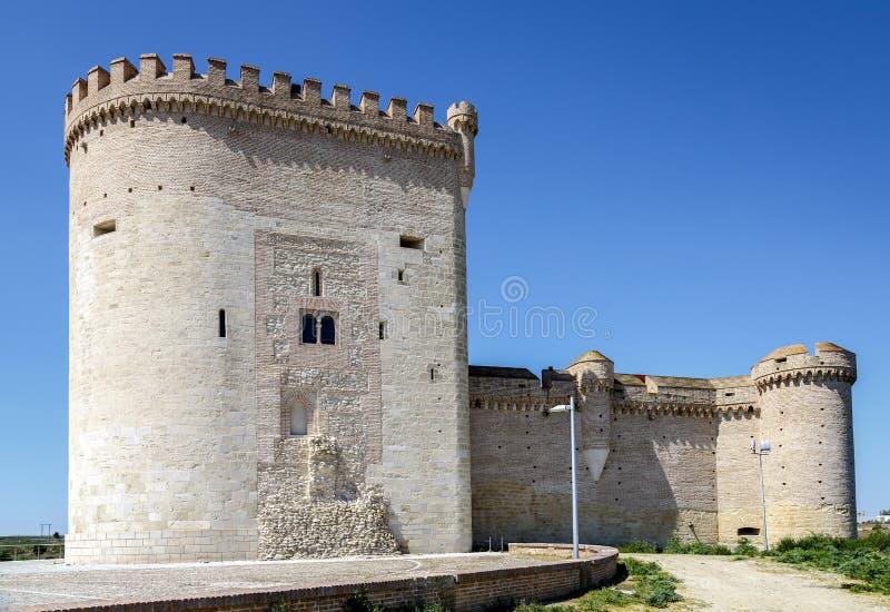 Slott av Arevalo i Avila arkivbild
