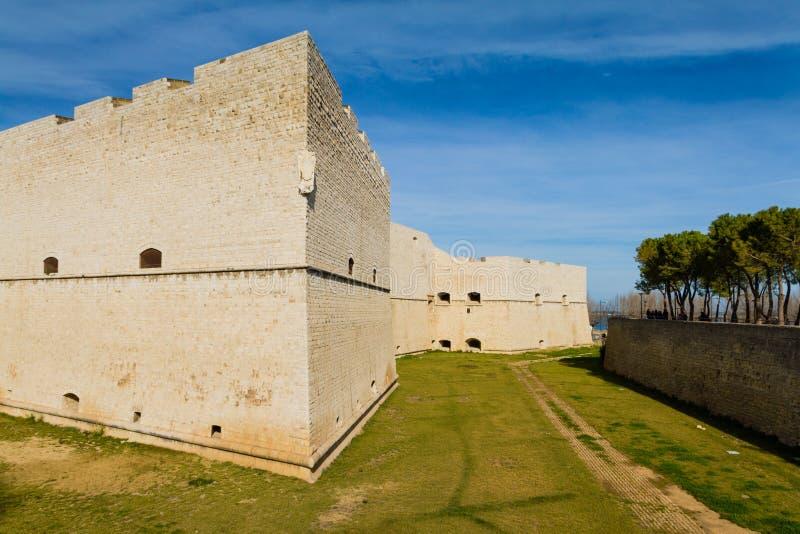 Slott av Barletta royaltyfria foton