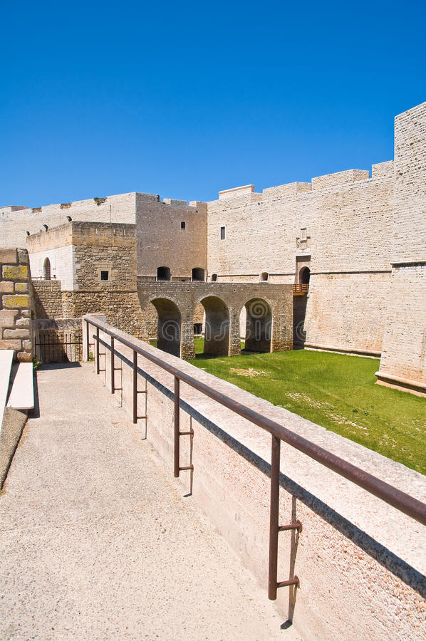 Slott av Barletta Puglia italy royaltyfri foto