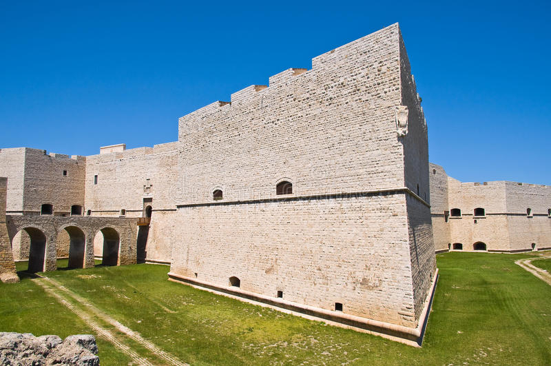 Slott av Barletta Puglia italy royaltyfria bilder