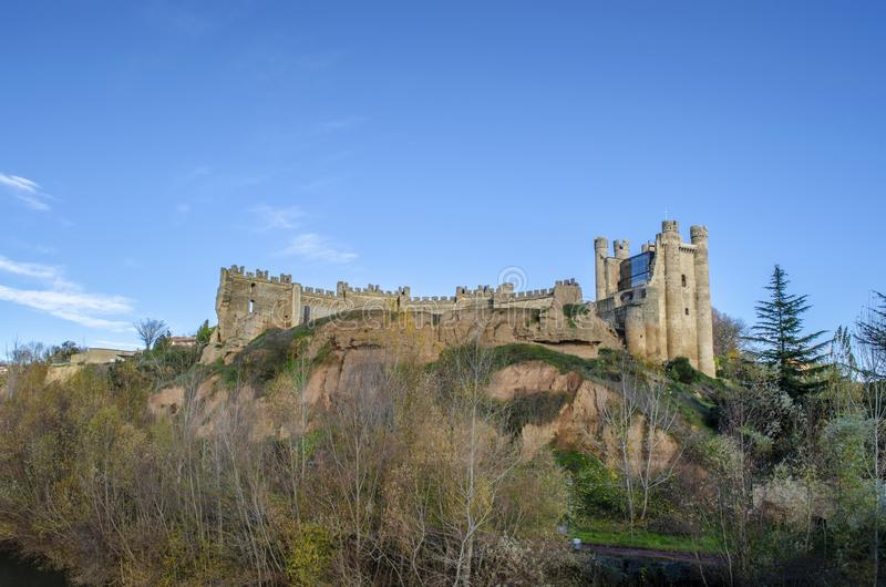 Slott av byn Valencia Don Juan royaltyfri foto
