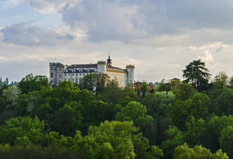 Slott av Costigliole arkivbilder