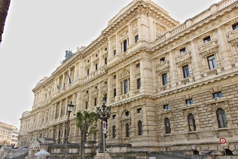 Slott av domstolen av upphävande royaltyfria bilder