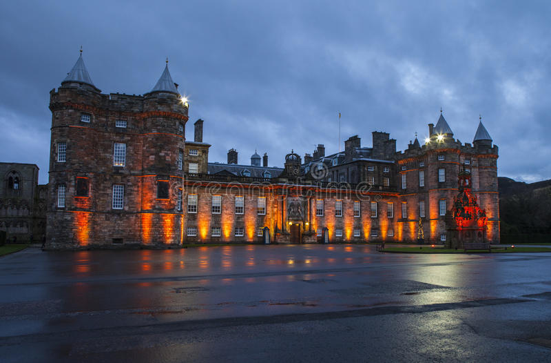Slott av Holyroodhouse i Edinburg royaltyfria foton