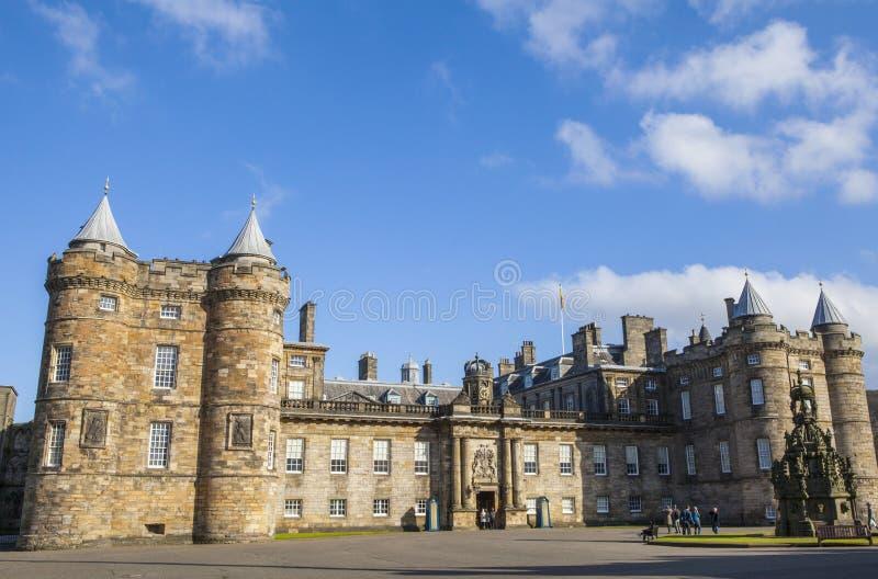 Slott av Holyroodhouse i Edinburg royaltyfri fotografi