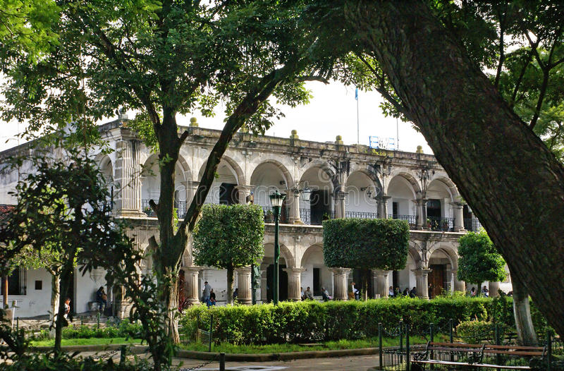 Slott av kommunfullmäktigen (stadshus), Antigua Guatemala royaltyfria bilder