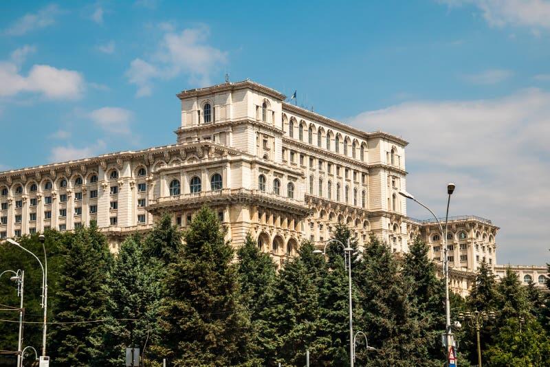 Slott av parlamentet i Bucharest, huvudstad av Rumänien arkivbild