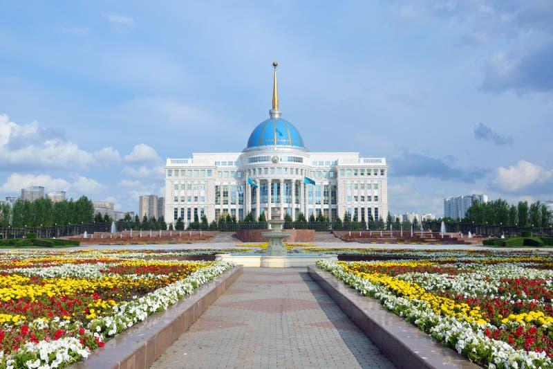 Slott av presidenten av Kasakhstan royaltyfria bilder
