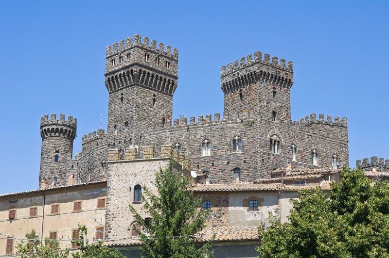 Slott av Torre Alfina. Lazio. Italien. fotografering för bildbyråer