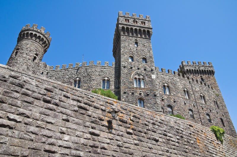 Slott av Torre Alfina. Lazio. Italien. royaltyfri foto