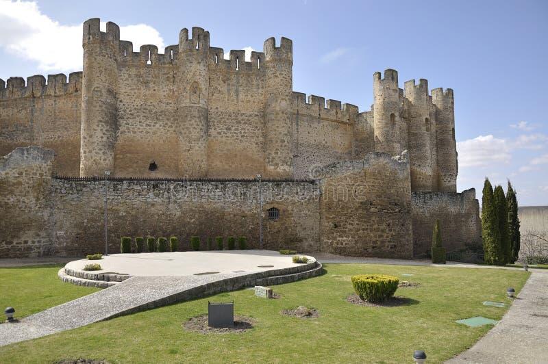Slott av Valencia de Don Juan, Leon, Spanien royaltyfria foton