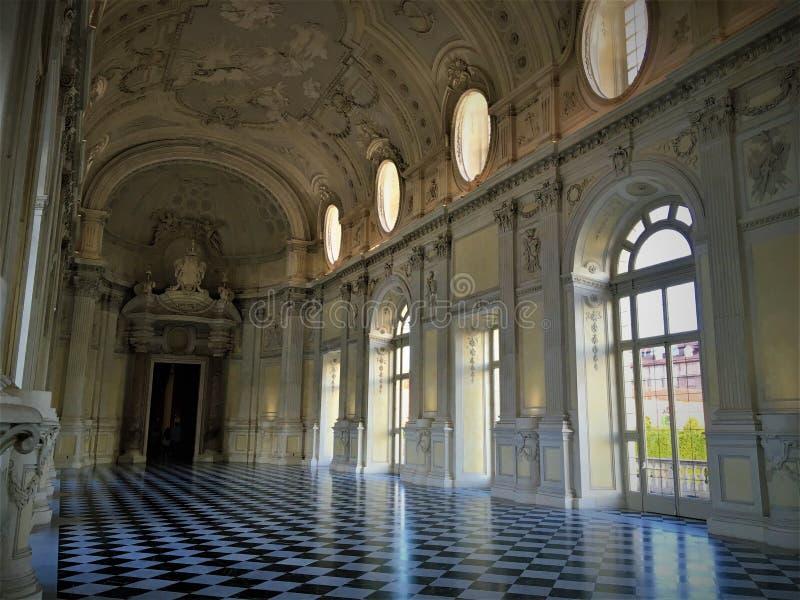 Slott av Venaria Reale, nära den Turin staden, Italien Tjusning, glans och lyx arkivbilder