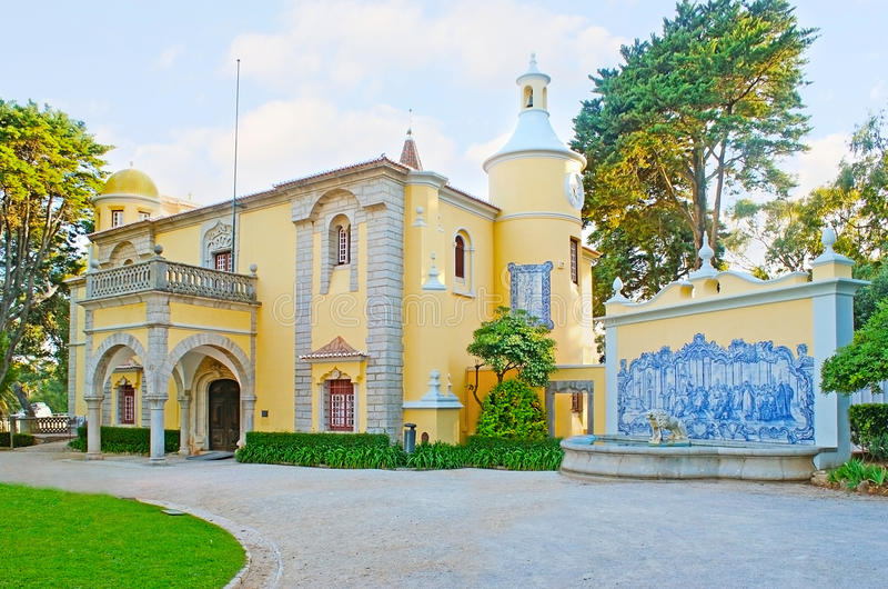 Slott Condes de Castro Guimaraes royaltyfria foton