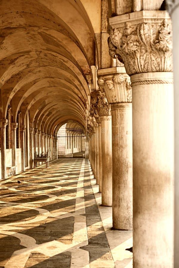 Slott för doge` s i Venedig, Italien arkivbilder
