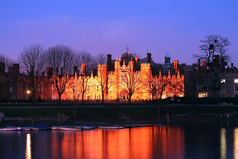 slott för domstolhampton natt royaltyfri foto