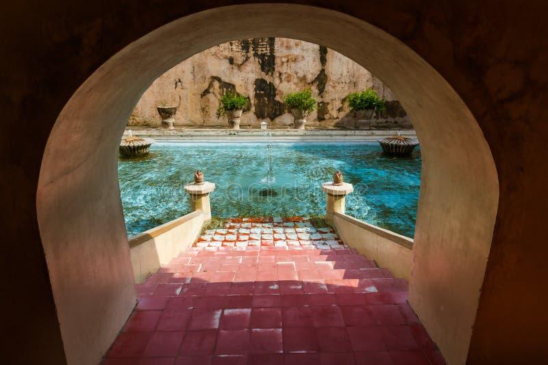 Slott för Taman sarivatten av den Yogyakarta - Java ön Indonesien royaltyfria bilder