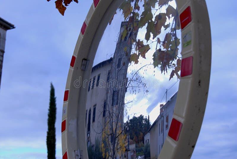 Slott i avspegla royaltyfria foton
