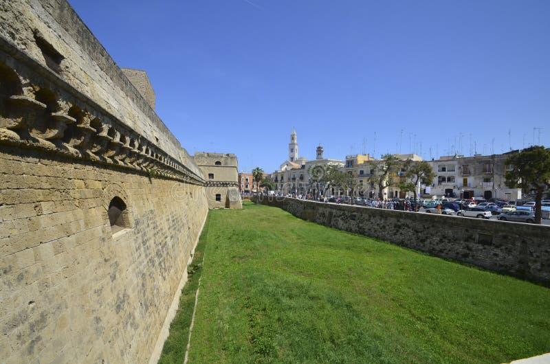 Slott i Bari, Italien royaltyfri fotografi