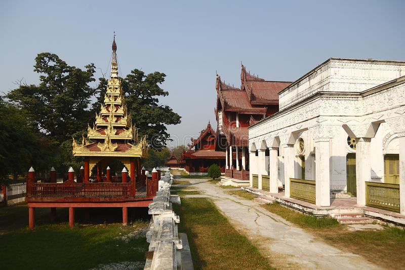 Slott i den Mandalay slotten fotografering för bildbyråer