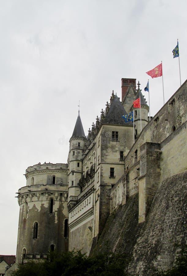 Slott i Frankrike i regnigt väder royaltyfria foton