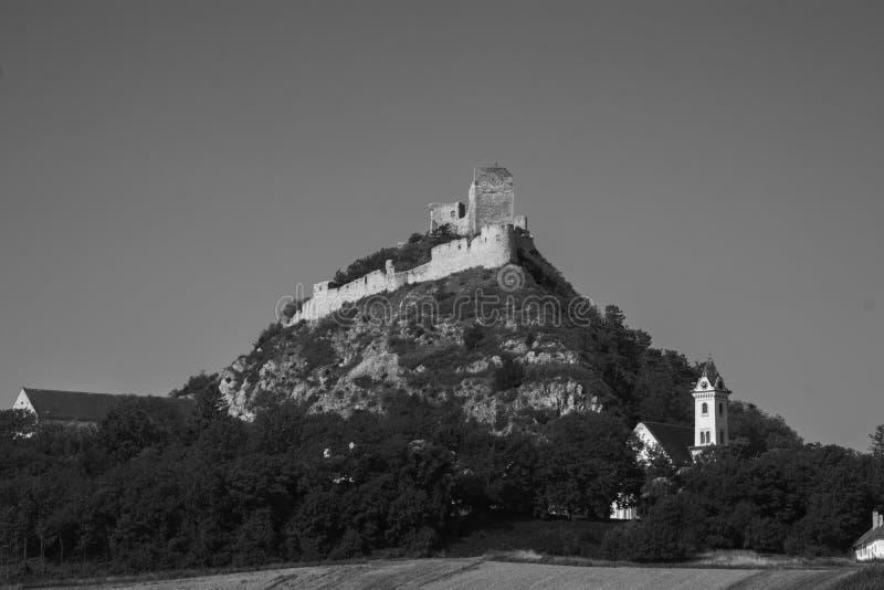 Slott i oklarheterna royaltyfri fotografi