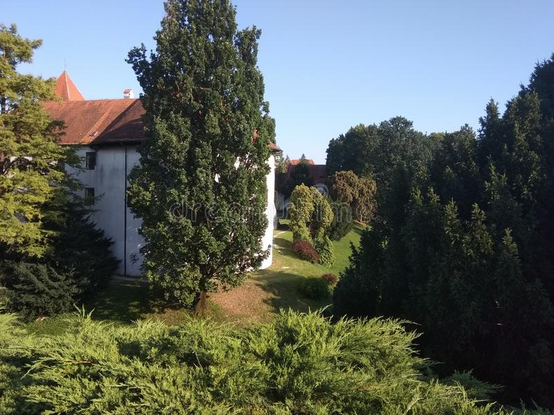 Slott i stad för VaraÅ ¾buller arkivbilder