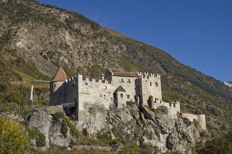 Slott Kastelbell arkivfoto