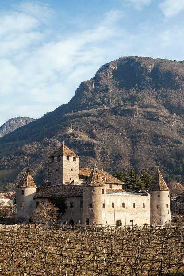 Slott Mareccio, Bolzano, Italien fotografering för bildbyråer