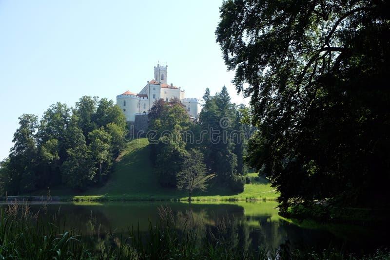 Slott Trakoscan i Kroatien fotografering för bildbyråer