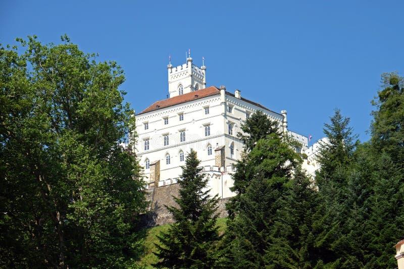 Slott Trakoscan i Kroatien arkivfoton