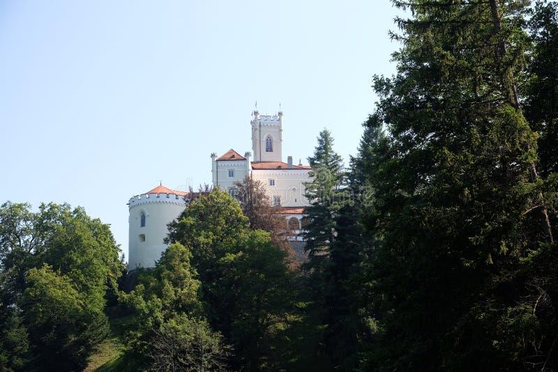 Slott Trakoscan i Kroatien royaltyfri fotografi