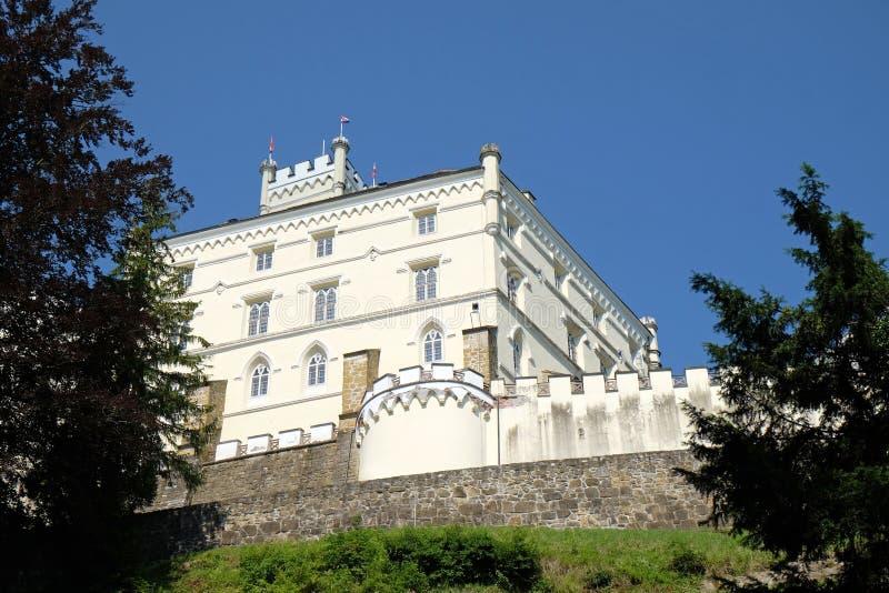 Slott Trakoscan i Kroatien royaltyfri foto