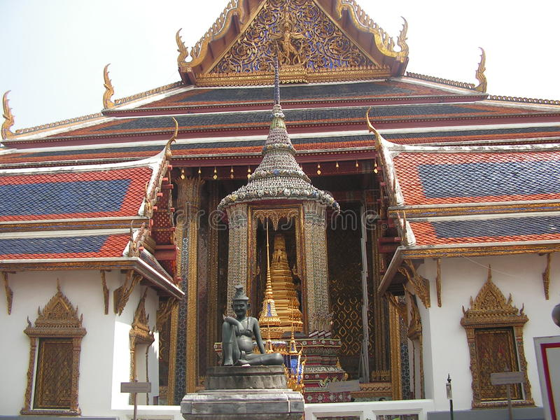 Slottbyggande i granslott i Bangkok royaltyfri foto