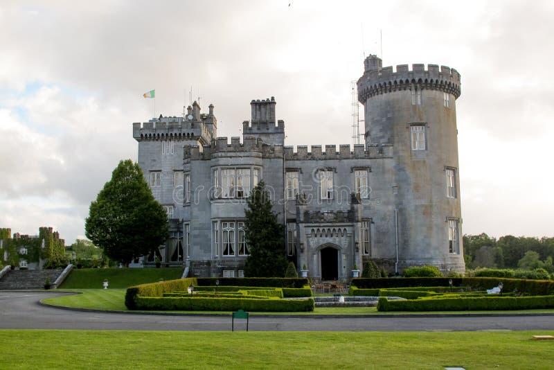 slottclare ståndsmässig dromoland ireland royaltyfri foto