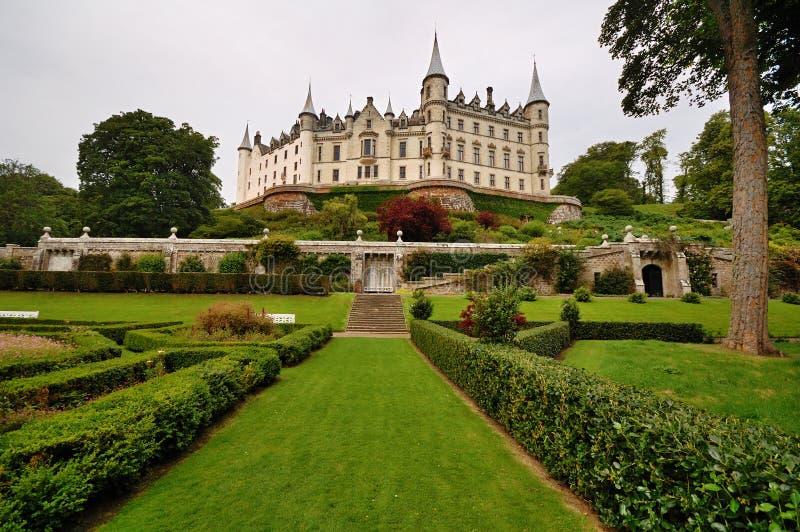 slottdunrobin scotland royaltyfria bilder