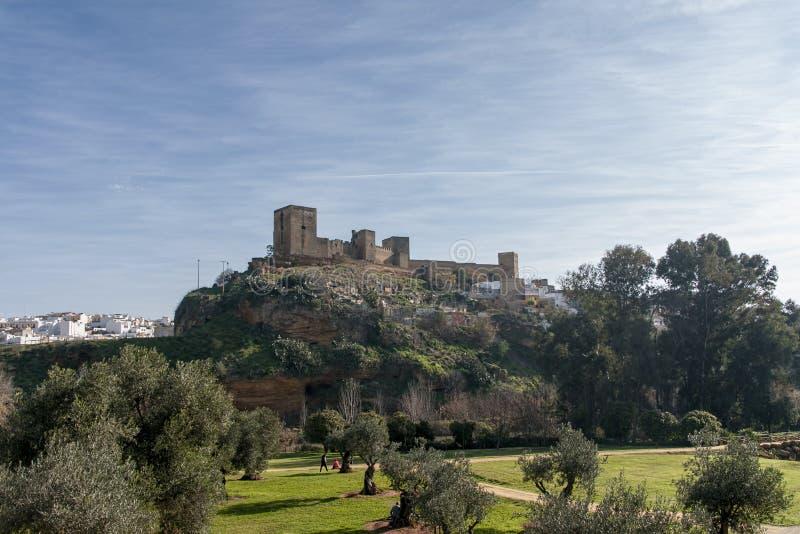 Slotten av Alcalà ¡ de Guadaira i landskapet av Seville, Andalusia arkivbilder
