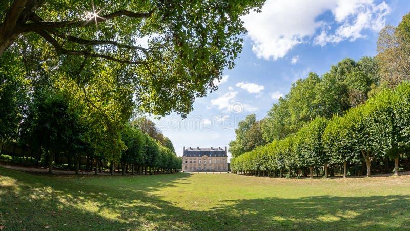 Slotten av Boury i Oisen i Frankrike royaltyfria bilder