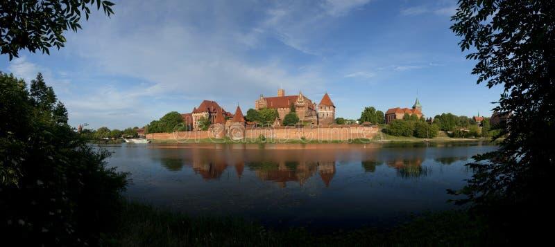 Slotten av den Teutonic beställningen i Malbork (Marienburg) arkivbilder