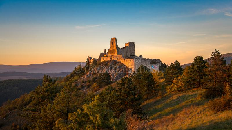Slotten av Elisabeth Bathory royaltyfria bilder
