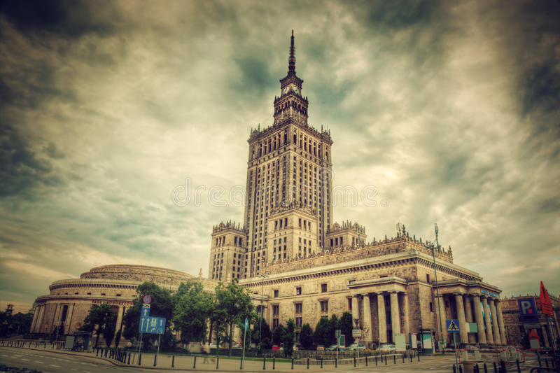 Slotten av kultur och vetenskap, Warszawa, Polen. Retro royaltyfri foto