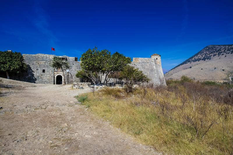 Slotten av Porto Palermo, Albanien arkivbild